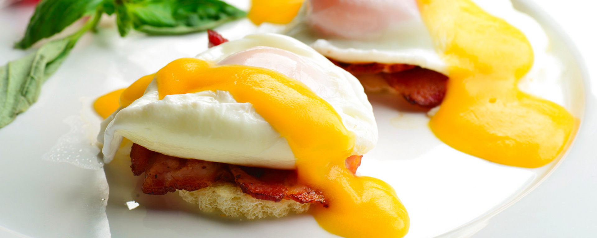 Photo for - Bacon & eggs on toast with cheese sauce