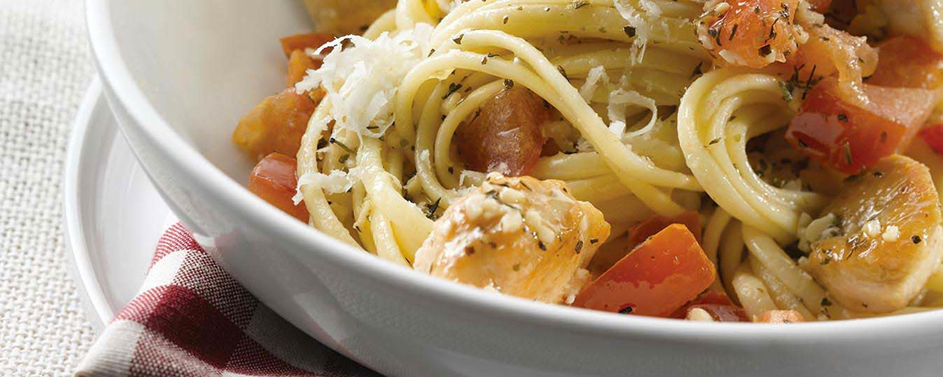 Photo for - Pomodoro Sauce with Chicken and Linguine